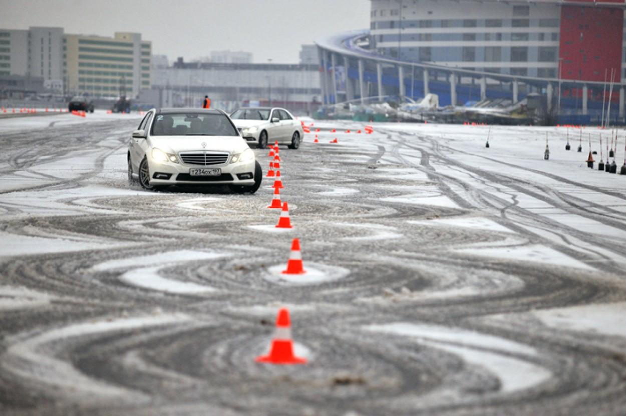 Контр-аварийная подготовка на профессиональном автомобиле.