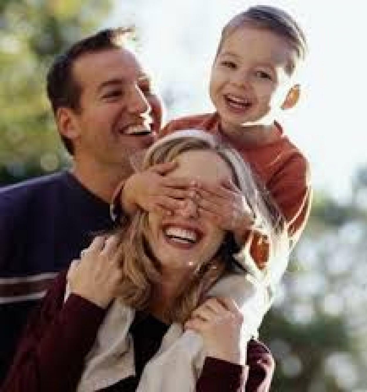 Семейная фантазия (Мастер класс семейный по песочной графике)
